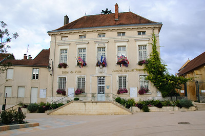 Is-sur-Tille Hôtel de Ville