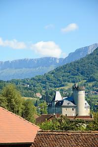 Le château de Duingt from the Cycle Path