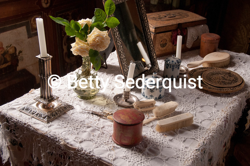 Castle Dressing Table