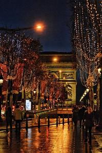 """""""L'arc à Travers des Perles de Couleur - The Arch Through Beads of Color"""" - Avenue des Champs-Élysées - Paris"""
