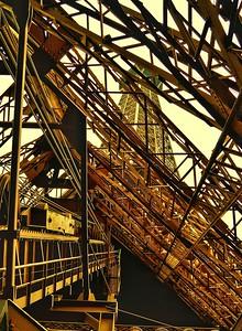 """""""Inside The Giant"""" - Tour Eiffel - Paris"""