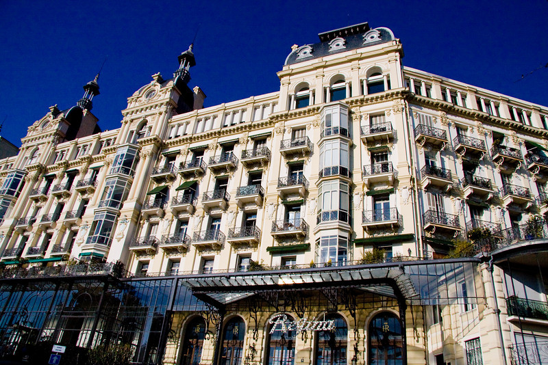 Starting from the top of Boulevard Cimiez: The Regina, a Belle Epoque palace, once a hotel, now apartments.  Matisse died here in 1954.