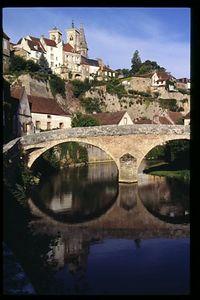 Samur-en-Axois, Burgundy