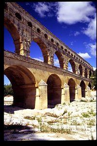 Pont du Gard - vertical