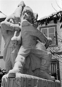 Marsailles statue - Place Broglie