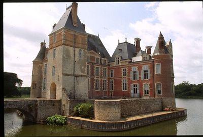 Château des Pêcheurs in La Bussière