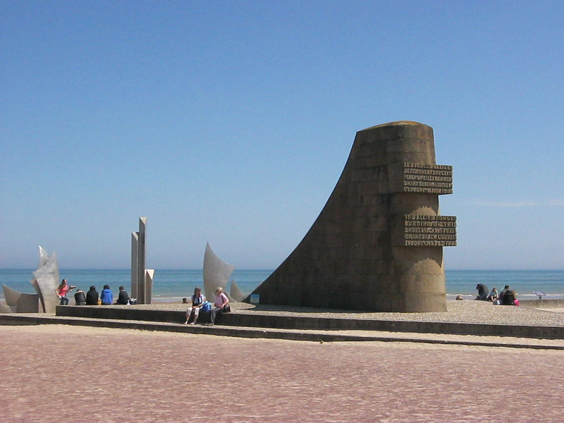 "Omaha Beach Memorial.   More info at <a href=""http://static-71-126-182-50.washdc.fios.verizon.net/marker.asp?marker=59751&Result=1"">http://static-71-126-182-50.washdc.fios.verizon.net/marker.asp?marker=59751&Result=1</a>   (Photo by Ray)"