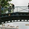A pedestrian bridge over a lock (Photo by Ray)