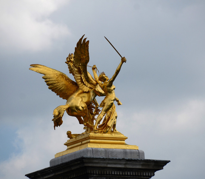 Gold statue on Pont Alexandre III