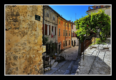 Coursegoules_street_D3S4322