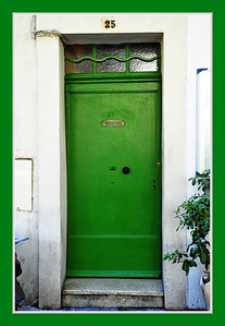 Antibes_Green_door_D3S3714