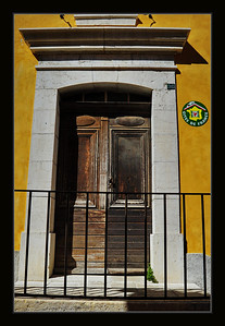 Coursegoules_old_door_D3S4286