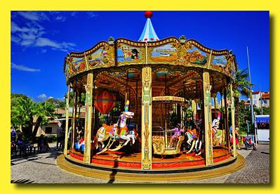 Antibes_merry-go-round_D3S3744 (2)