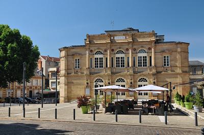 Moulins - Cours Jean Jaurès - Théâtre