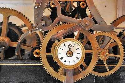 Charroux - Maison des Horloges