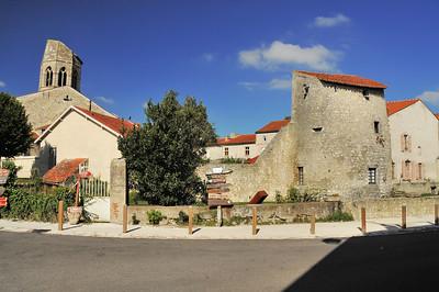 Charroux - Rue Grande