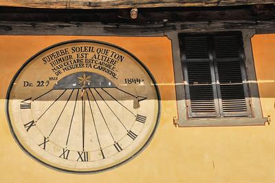 Saint-Dalmas-le-Selvage - Le cadran solaire se nourrit à moitié d'ombre