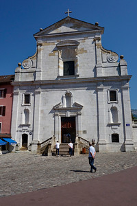Anncey_France_2013_church-facade_DSC0352