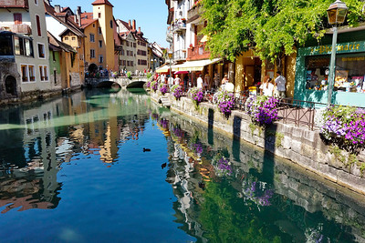 Anncey_France_2013_Canal_tourists_DSC0289