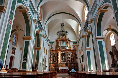 Anncey_France_2013_Church_interior_in_prayer_DSC0367
