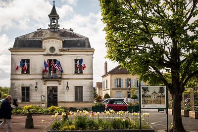 "Hotel de Ville ""City Hall"""