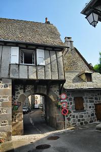 Mur-de-Barrez - Porte de la Berque