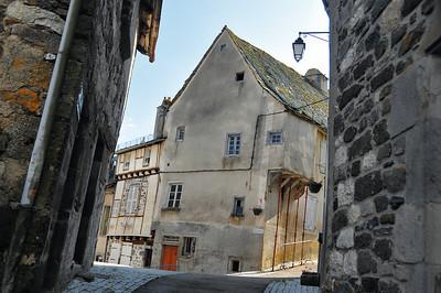 Mur-de-Barrez - Rue de la Pierre