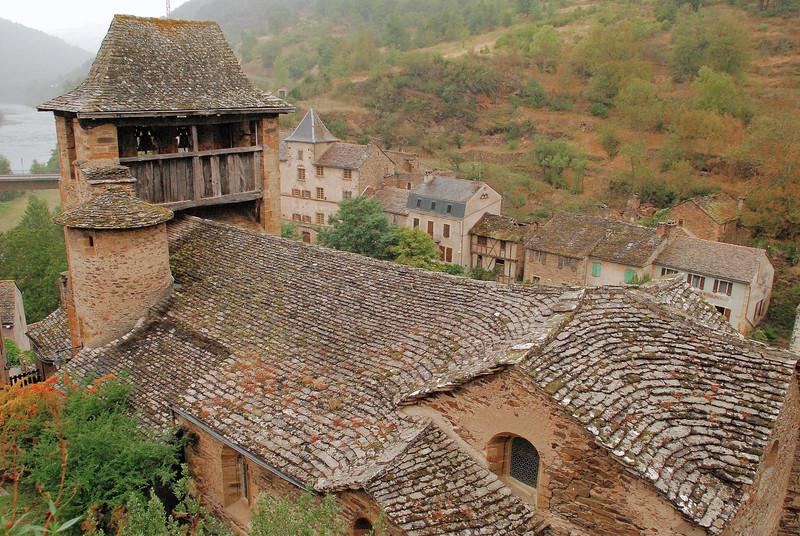 Brousse-le-Château - L'église fortifiée