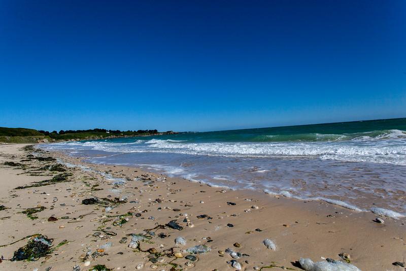 dernier jour, dernières minutes : promenade sur un chemin côtier. ici la plage des grands sables