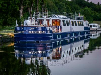 Barge trip on Marne - Rhine Canal