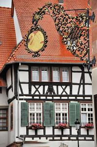 Wissembourg - Enseigne de l'Hostellerie au Cygne