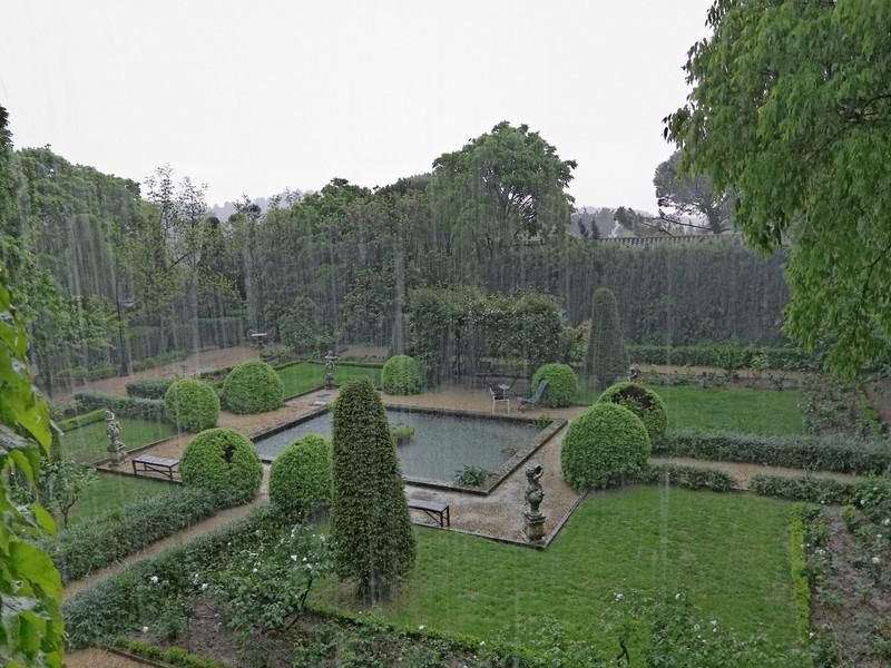 hotel ousteau de baumanière rain