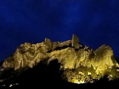 baux-de-provence by night