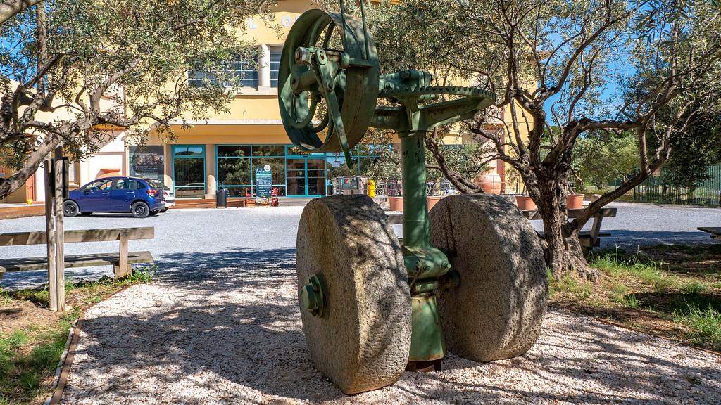 L'Oulibo Olive Oil Collective - Olive Oil in Bize-Minervois
