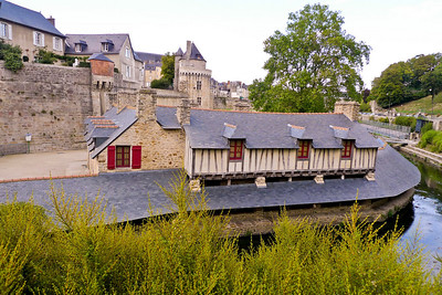 Wash houses on the Marle river