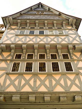 Timber framed building in Qumper