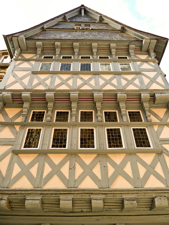 Timber framed building in Qumper