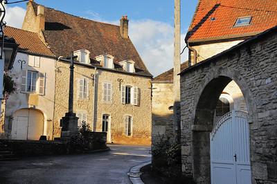 Auxey-Duresses - Rue Traversière