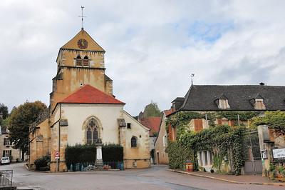 Volnay - Place de l'Eglise