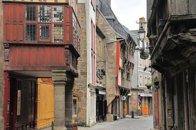 Dinan (Dinan) - Rue de l'Horloge