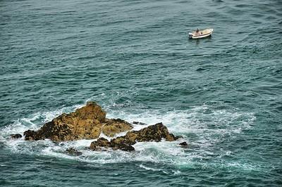 Pêcheur au large de Fort La Latte (Roc'h Goueon)