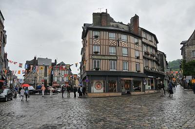Honfleur - Place Pierre Berthelot