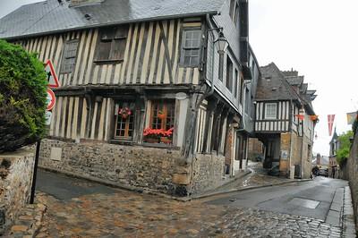 Honfleur - Angle rue Varin et rue de l'Homme de bois