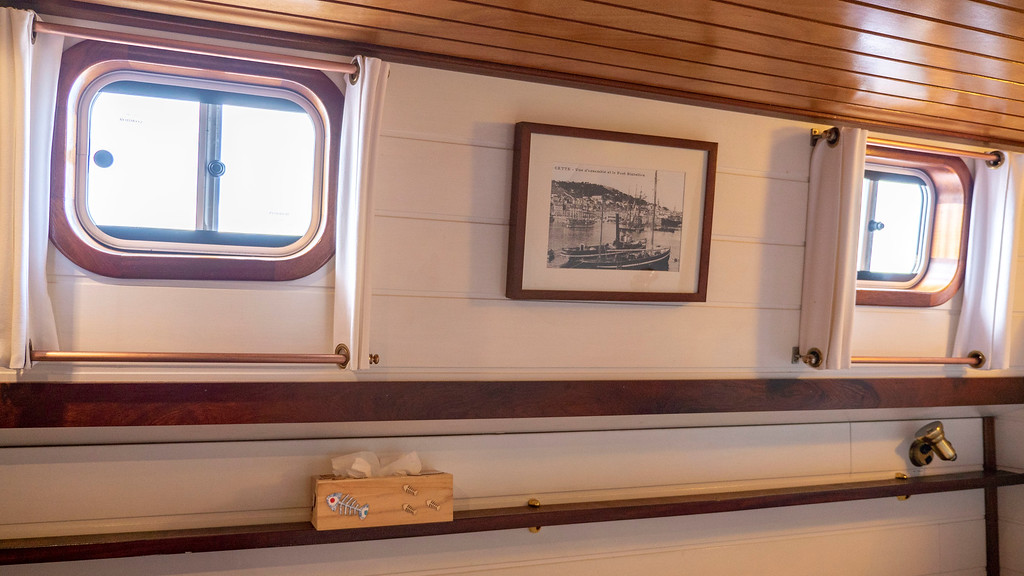 Cabin on the Athos du Midi - Canal du Midi cruise - Hotel barge cruising