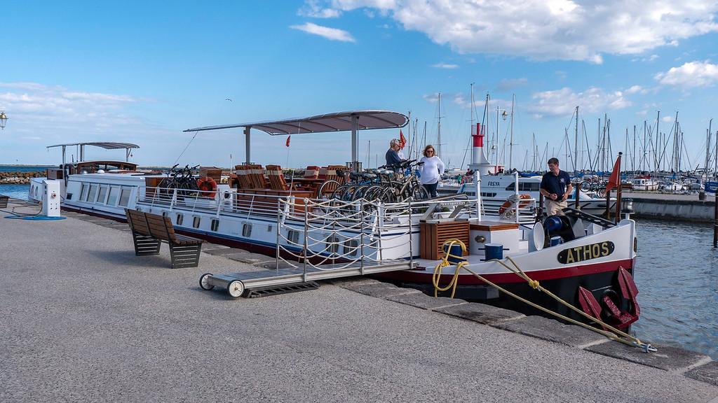 Athos du Midi luxury hotel barge on the Canal du Midi