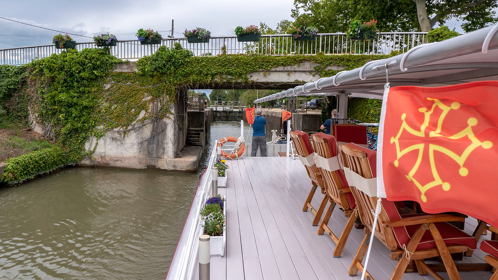 Cruising the Canal du Midi on the Athos du Midi barge