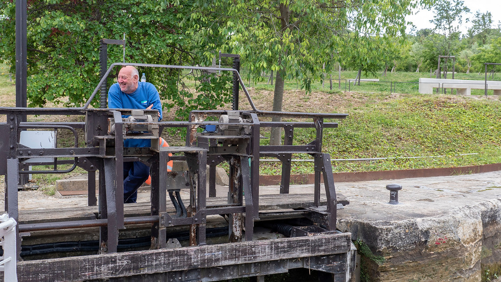 Worker at the staircase locks at the Canal du Midi