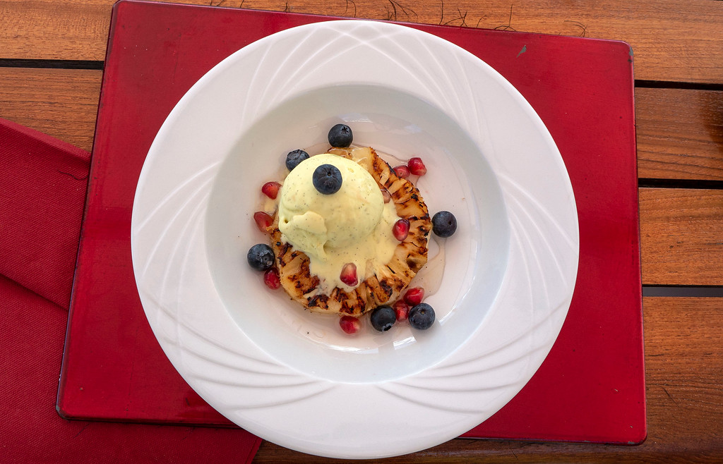 Vegan dessert and ice cream on the Athos du Midi luxury hotel barge in the South of France