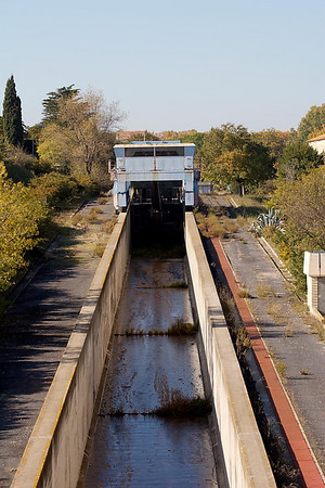 Beziers - The water lift at Fonsérannes rarely used now.