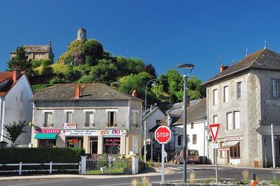 Saignes - Vestiges du château et chapelle Notre-Dame-du-Château